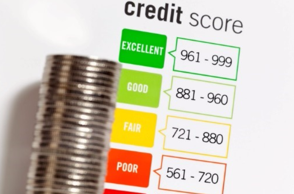 Experian faces credit monitoring decline